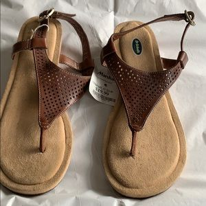 NWT Dr Scholl's sandals